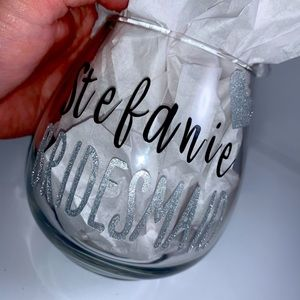 Custom stemless wine glasses